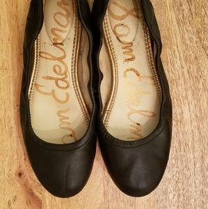 Sam Edelman matte black leather flats